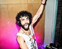 Un DJ irlandés intentará batir el récord, 200 horas pinchando