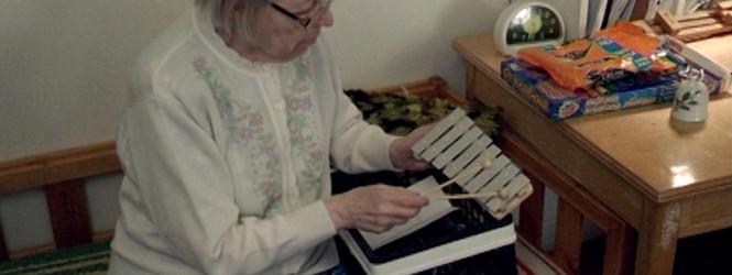 Esta abuela beatmaker ha hecho más discos que Giorgio Moroder y Björk la adora