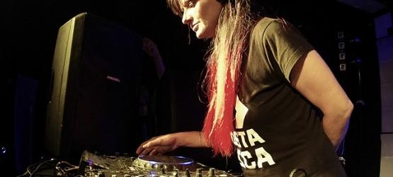 GIRL: DOCUMENTAL SOBRE LAS MUJERES DJS